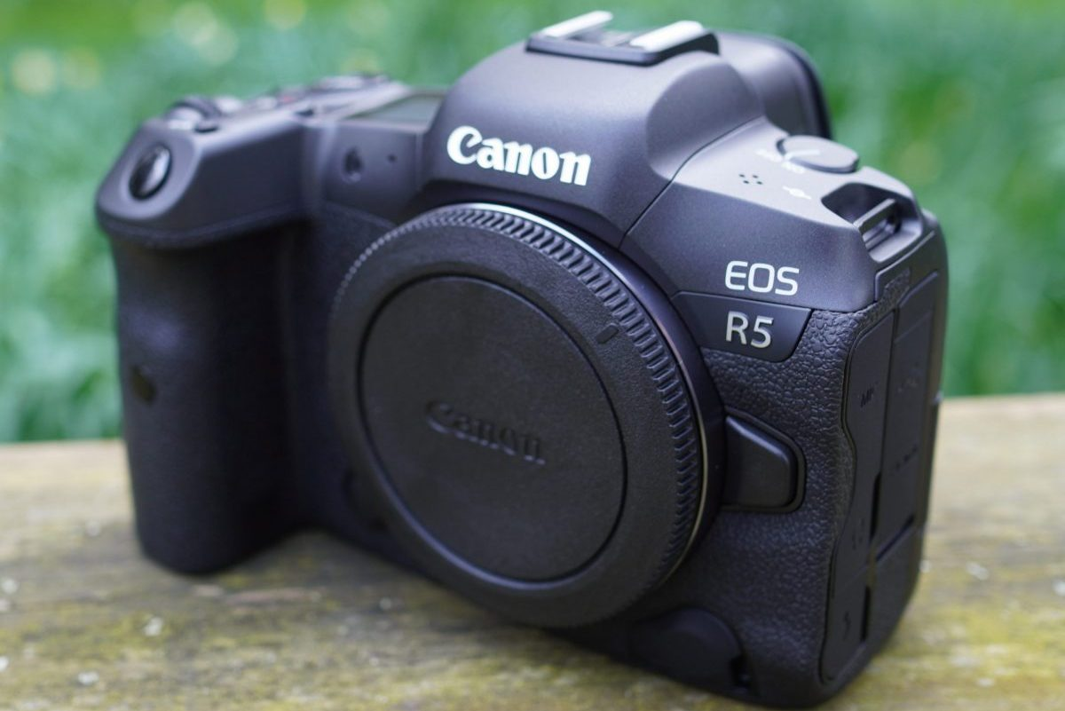 Canon EOS R5 Overheats at 8K and 4k Shootings